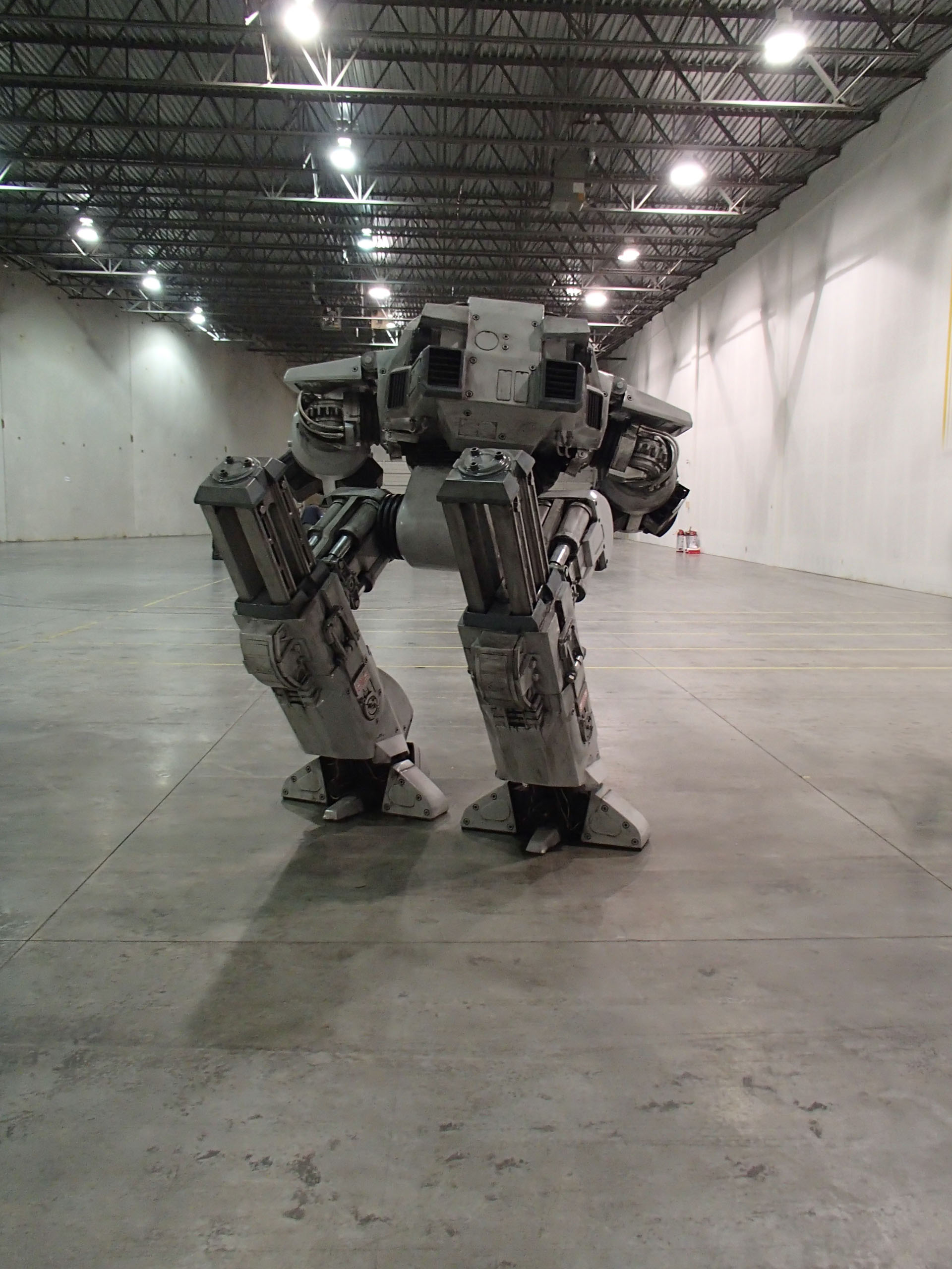 Lifesize ED-209 Replica